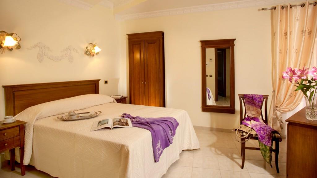 Hotel-Grifo-De-Monti-Rooms-Roma-habitación-de-monti