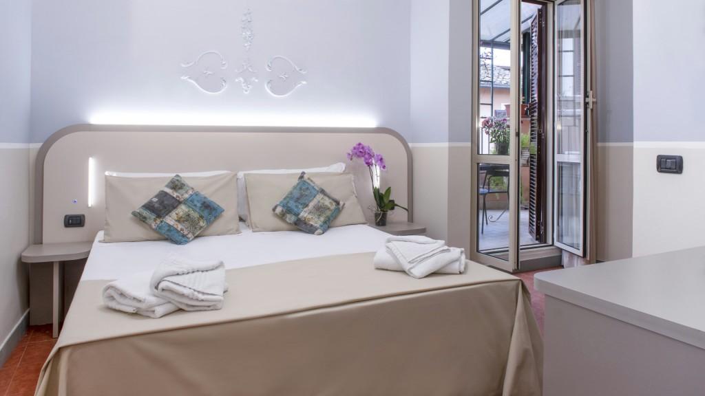 Hotel-Grifo-De-Monti-Rooms-Roma-superior-terraza-5