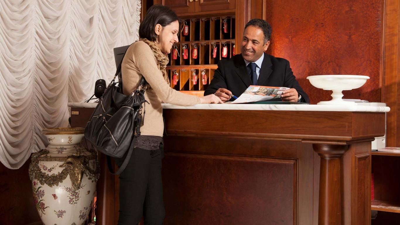 Hotel-Grifo-De-Monti-Rooms-Roma-entrada-2