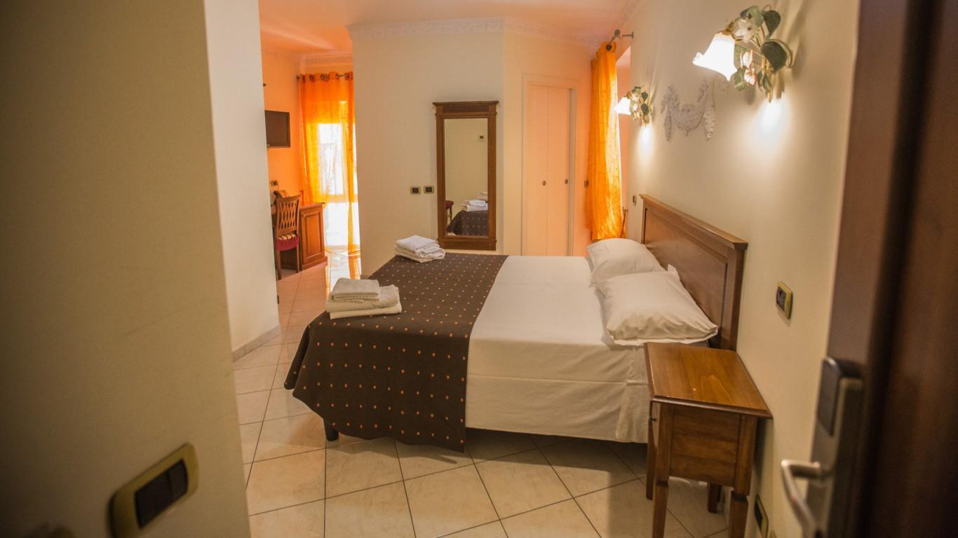 Hotel-Grifo-De-Monti-Rooms-Roma-habitación-annex-2