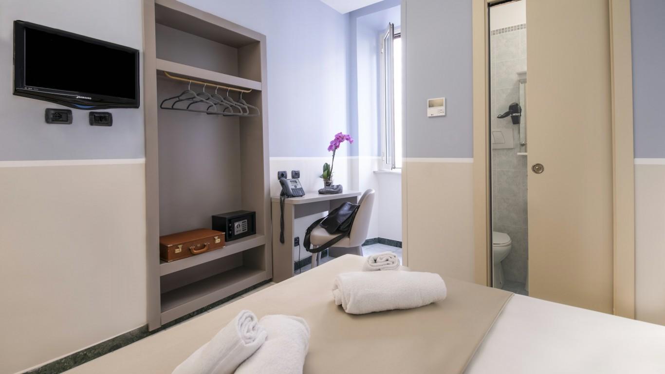 Hotel-Grifo-De-Monti-Rooms-Roma-quarto-principal-classic-4