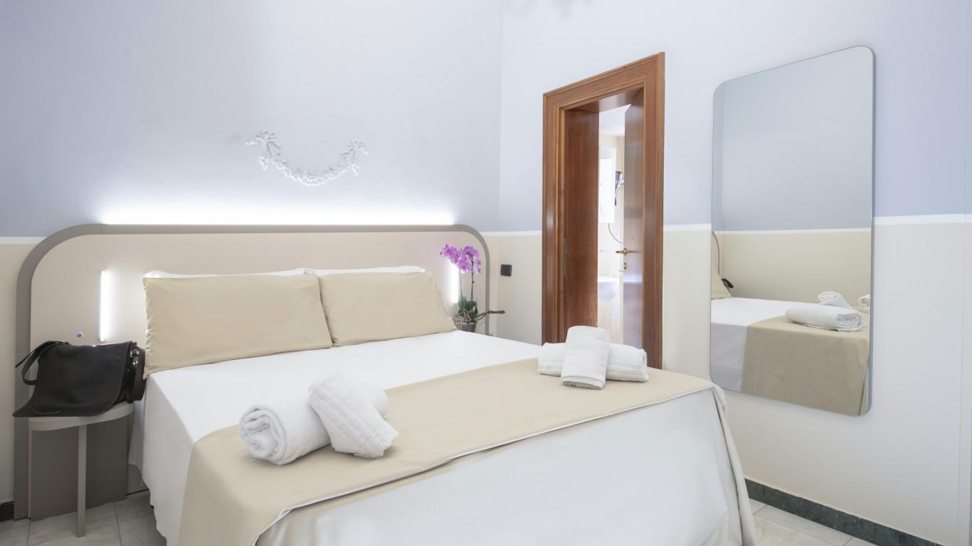 Hotel-Grifo-De-Monti-Rooms-Roma-habitación-de-matrimonio-classic-6