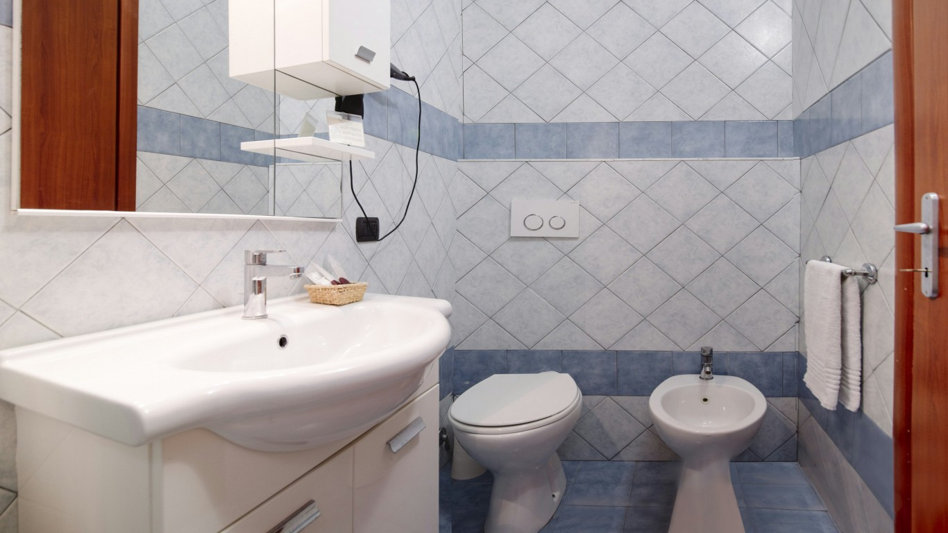 Hotel-Grifo-De-Monti-Rooms-Roma-superior-terraço-banho-2