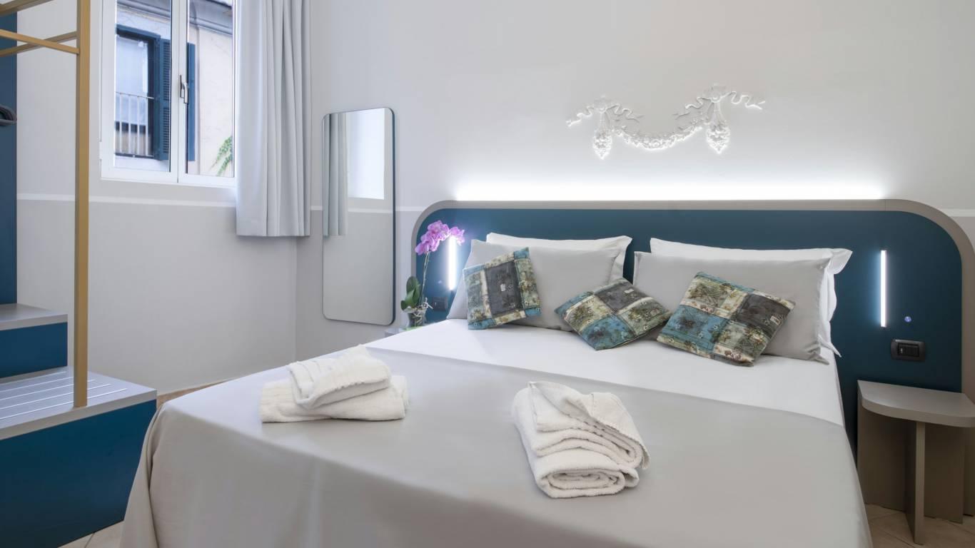 Hotel-Grifo-De-Monti-Rooms-Roma-quarto-triplo-3