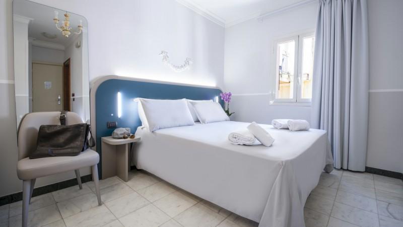 hotel-grifo-de-monti-rooms-roma-deluxe-1