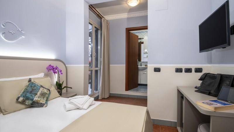 hotel-grifo-de-monti-rooms-roma-superior-terrazza-19