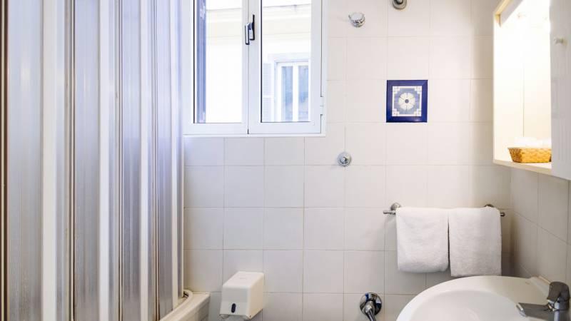 hotel-grifo-de-monti-rooms-roma-tripla-32